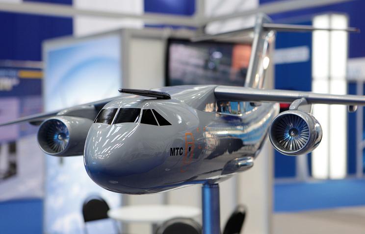 Макет тактического военно-транспортного самолета Ил-214 (МТС)