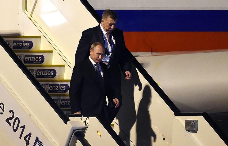 Прибытие в Брисбен президента России Владимира Путина (слева)