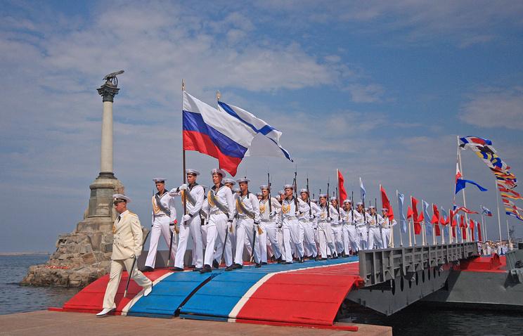 Репетиция военно-морского парада ко Дню ВМФ России в Севастополе, 2014 год