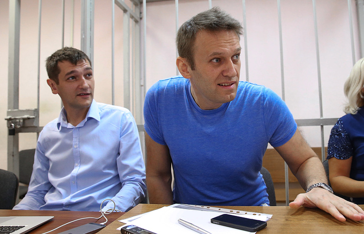 Алексей Навальный и его брат Олег