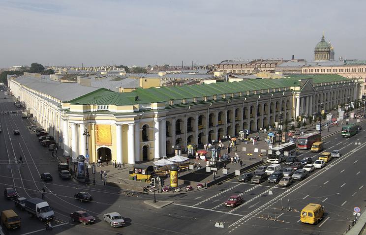 Гостиный двор на Невском проспекте в Санкт-Петербурге