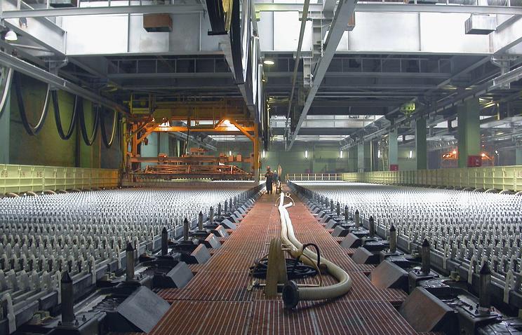 В одном из цехов Челябинского цинкового завода