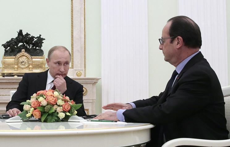 Президент РФ Владимир Путин и президент Франции Франсуа Олланд во время встречи в Кремле