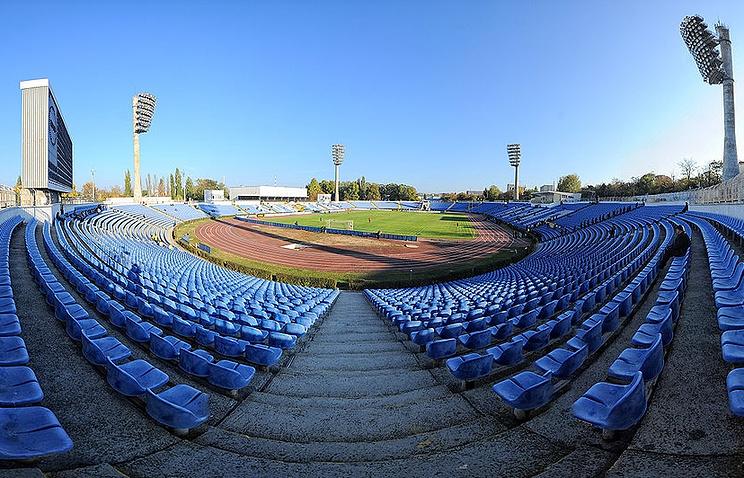 """Стадион """"Локомотив"""" в Симферополе"""