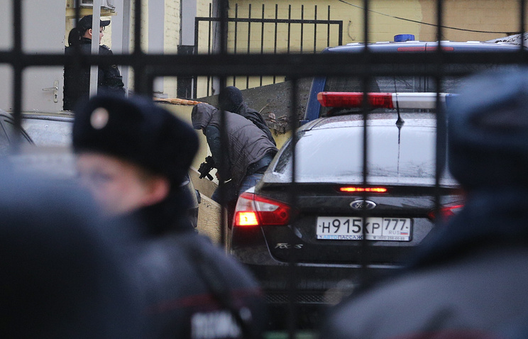Подозреваемые в убийстве  Бориса Немцова у Басманного суда