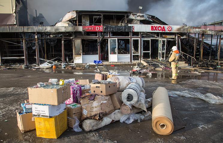 """Тушение пожара в торговом центре """"Адмирал"""""""