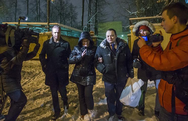 Светлана Давыдова с адвокатами Иваном Павловым и Сергеем Бадамшиным (справа)