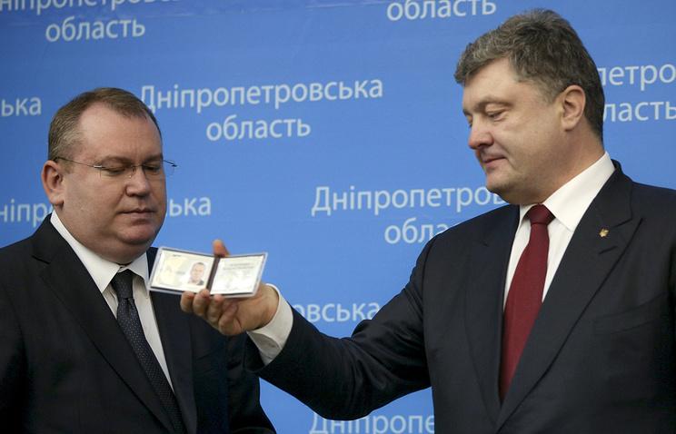 Губернатор Днепропетровской области Валентин Резниченко и президент Украины Петр Порошенко