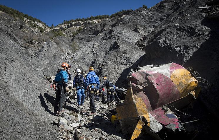 Поисковая  операция на месте крушения самолета А320