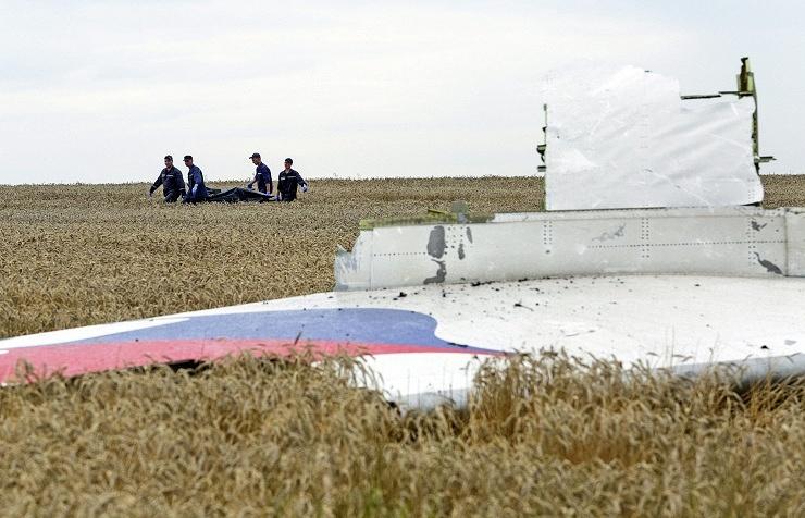 На месте крушения Boeing, 19 июля 2014 года