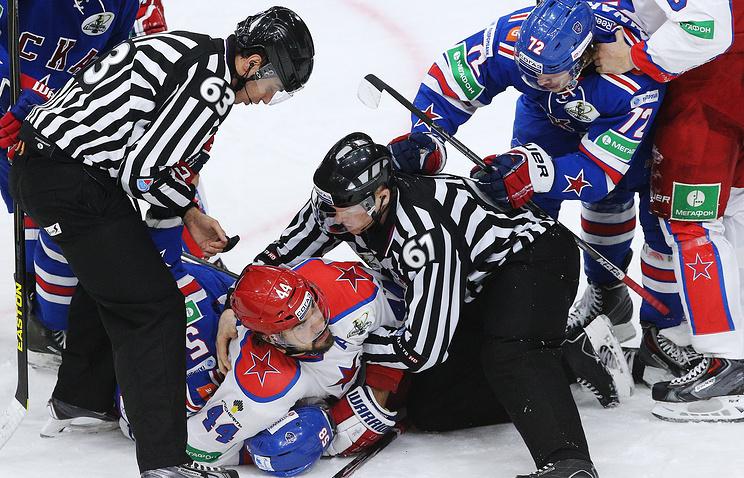 Эпизод из матча между СКА и ЦСКА