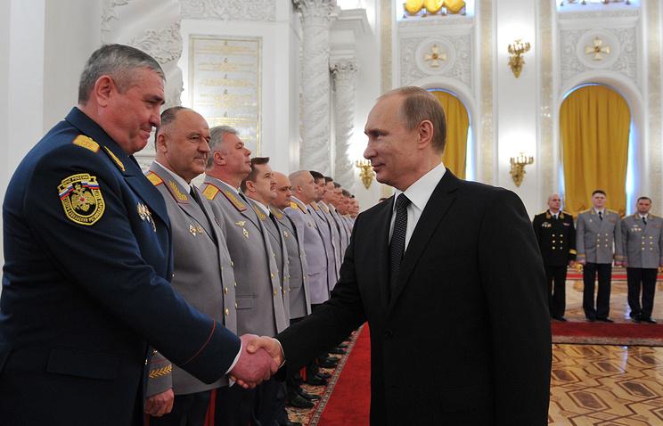 Президент России Владимир Путин на церемонии представления высших офицеров в Кремле