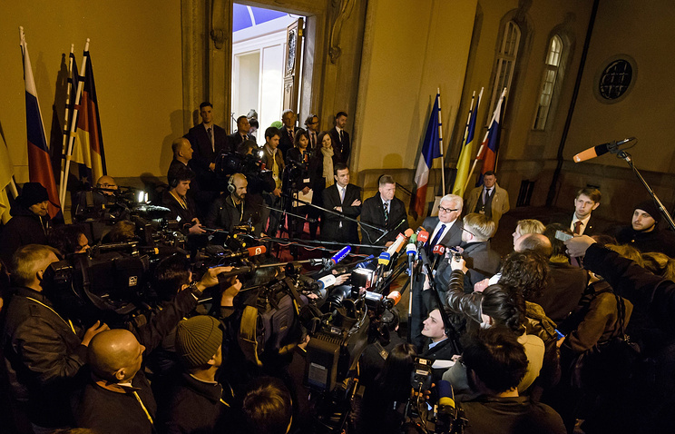 Глава МИД ФРГ Франк-Вальтер Штайнмайер во время встречи с журналистами