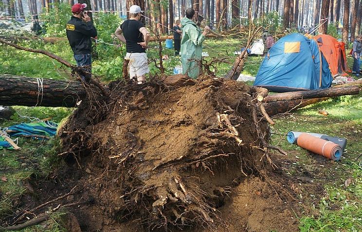 Последствия урагана на Ильменском фестивале. 14 июня 2014 года