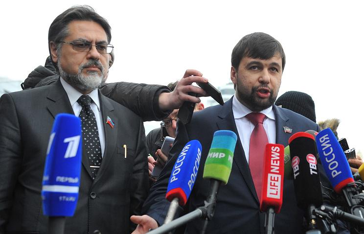 Представитель ЛНР  Владислав Дейнего и представитель ДНР Денис Пушилин