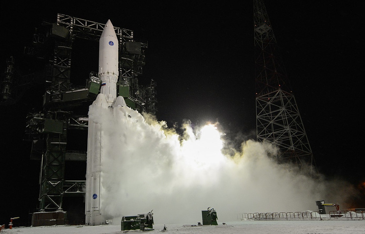 """Старт ракеты-носителя """"Ангара-А5"""" на космодроме Плесецк. Декабрь 2014 года"""