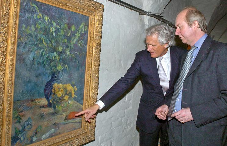 Филип Хук (слева)