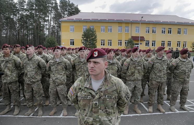 Американские военнослужащие во время открытия украинско-американских учений Fearless Guardian 2015