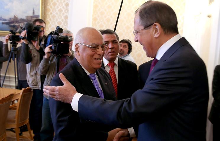 Заместитель председателя правительства Кубы Рикардо Кабрисас и министр иностранных дел РФ Сергей Лавров