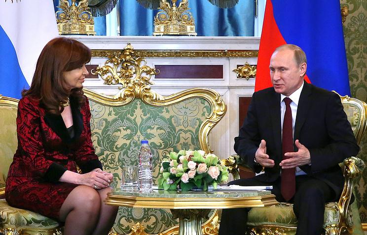 Президент Аргентины Кристина Фернандес де Киршнер и президент РФ Владимир Путин во время переговоров в Кремле