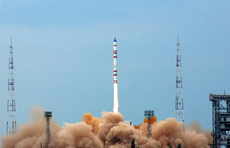 """Запуск ракеты-носителя """"Космос-3М"""" с полигона Капустин Яр"""