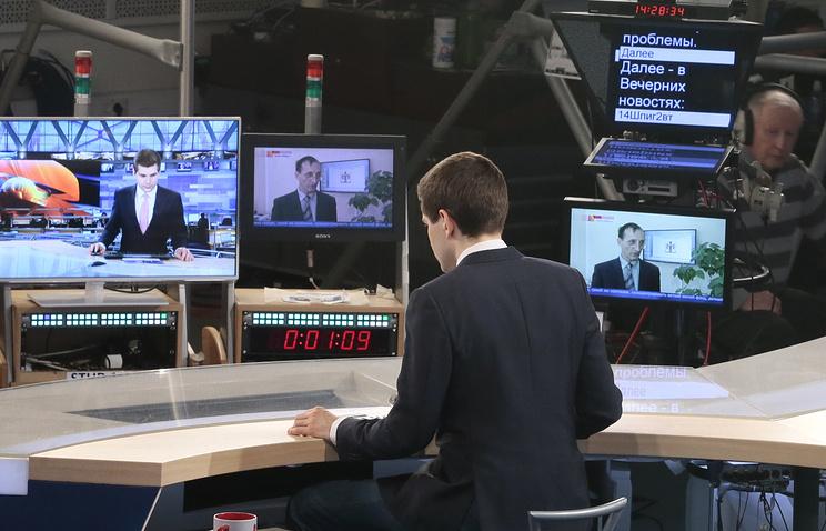 """Во время съемок программы """"Вечерние новости"""" на Первом канале в телецентре """"Останкино"""""""