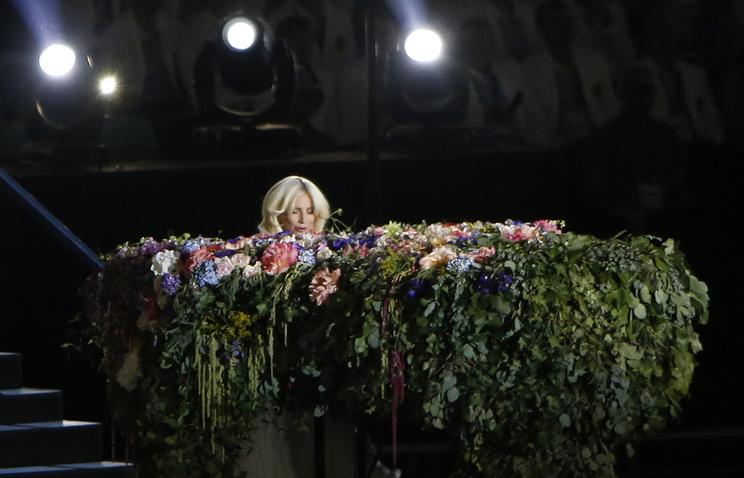 Леди Гага во время выступления на церемонии открытия Европейских игр в Баку