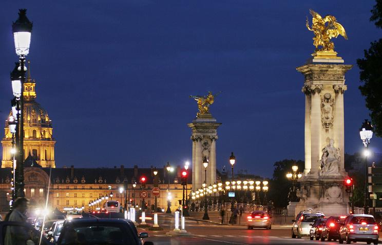 Собор Дома инвалидов и мост Александра III в Париже