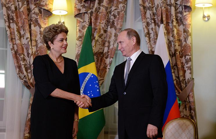 Президент Российской Федерации Владимир Путин во время встречи с президентом Бразилии Дилмой Роуссефф