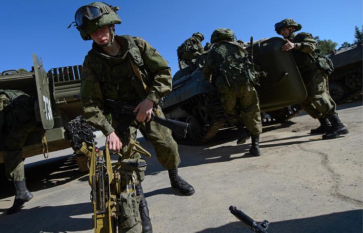 Подразделение мотострелкового соединения в Екатеринбурге