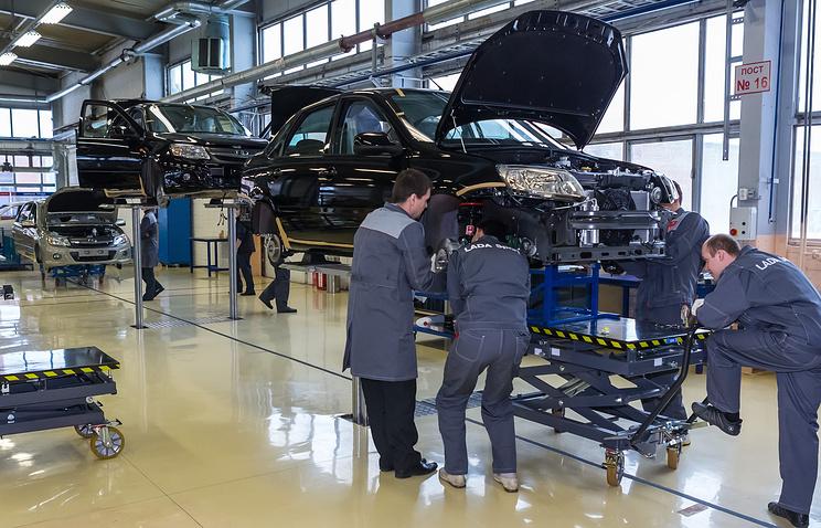 Сборка автомобиля Lada Granta