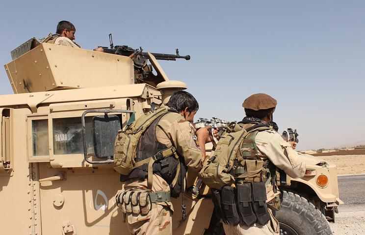 """Силы безопасности Афганистана во время перестрелки с бойцами движения """"Талибан"""""""