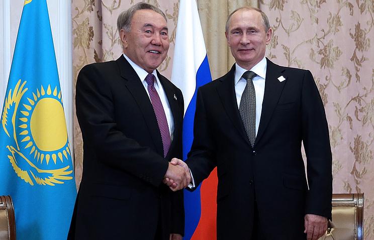 Президент Казахстана Нурсултан Назарбаев и президент России Владимир Путин. Архив
