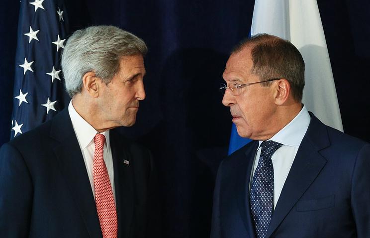 Госсекретарь США Джон Керри и министр иностранных дел России Сергей Лавров во время встречи в рамках Генассамблеи ООН, 27 сентября 2015 года