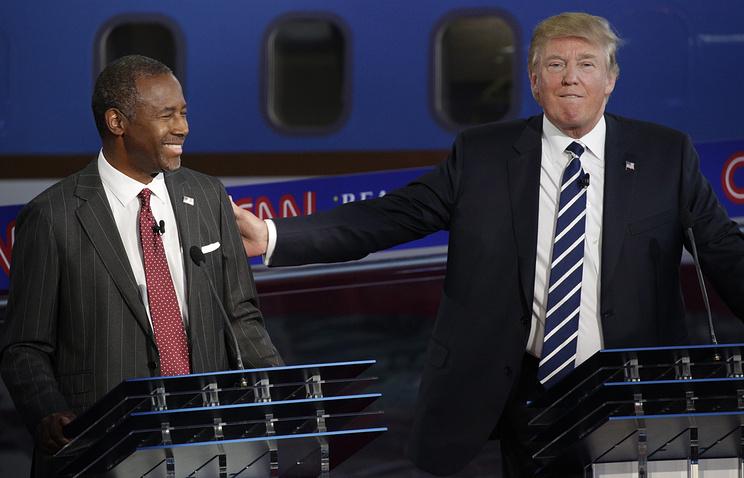Представители Республиканской партии Бен Карсон и Дональд Трамп (слева направо)