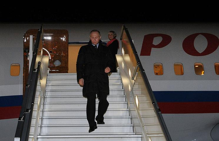 Владимир Путин в аэропорту Симферополя