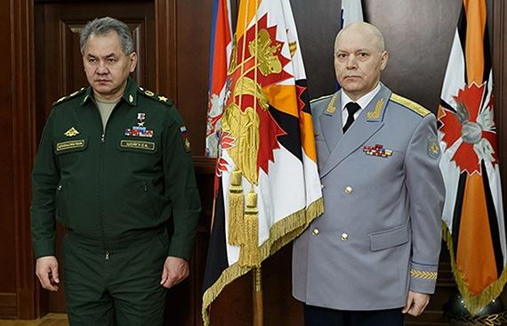 Министр обороны РФ Сергей Шойгу и генерал-лейтенант Игорь Коробов