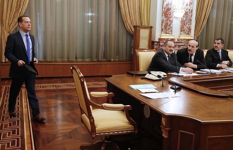 Дмитрий Медведев на заседании правительственной комиссии о ситуации в ТЭК Северного Кавказа