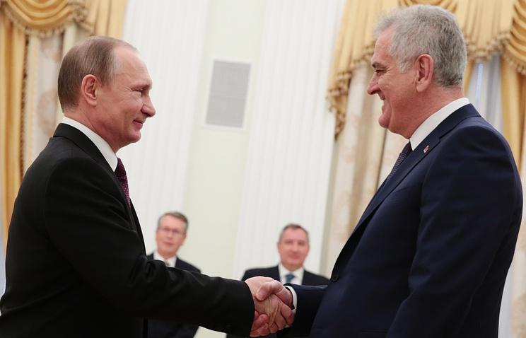 Президент России Владимир Путин и президент Сербии Томислав Николич