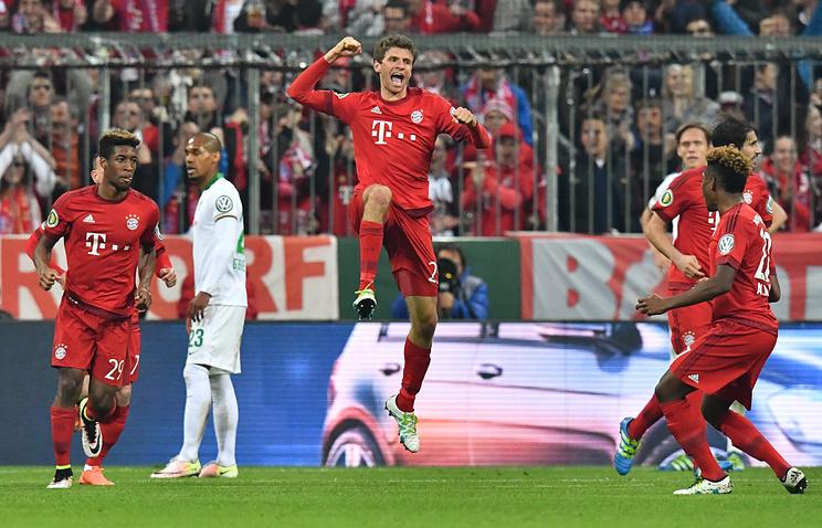 Футболист'Баварии Томас Мюллер после гола в ворота'Вердера в полуфинале Кубка Германии