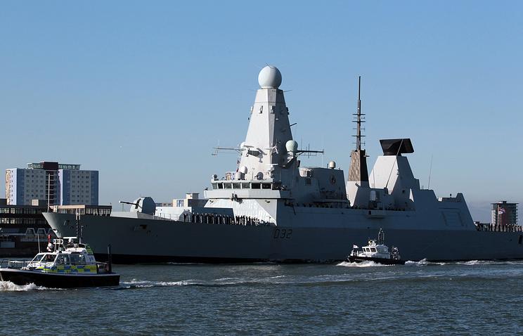 Великобритания направит эсминец вПерсидский залив для помощи вборьбе сИГ
