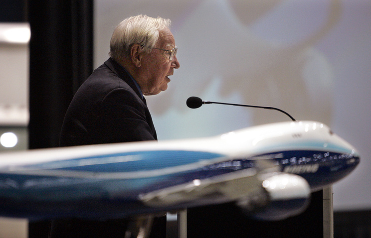 Ушел изжизни создатель авиалайнера Boeing 747
