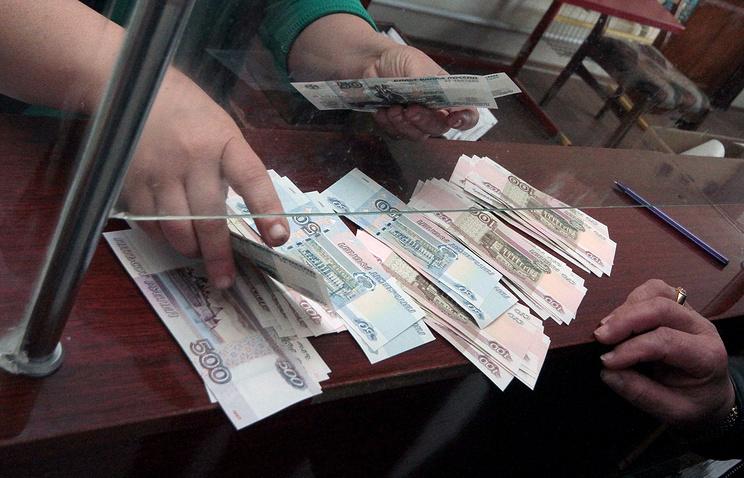Д. Медведев: в 2017-ом году нужно вернуться к обыкновенному режиму индексаций пенсий