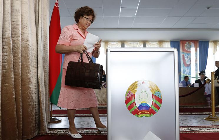В Беларуссии смасштабными нарушениями выбирают депутатов парламента— Батька проголосовал