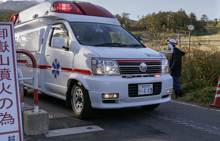 ВТокио школьник ранил ножом одноклассников иучителя