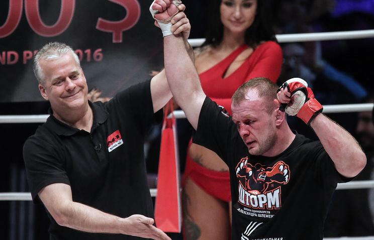 Шлеменко победил Гроува техническим нокаутом