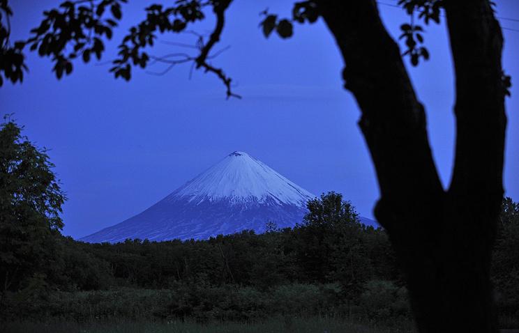 НаКамчатке вулкан Ключевская сопка выбросил пепел навысоту 7км