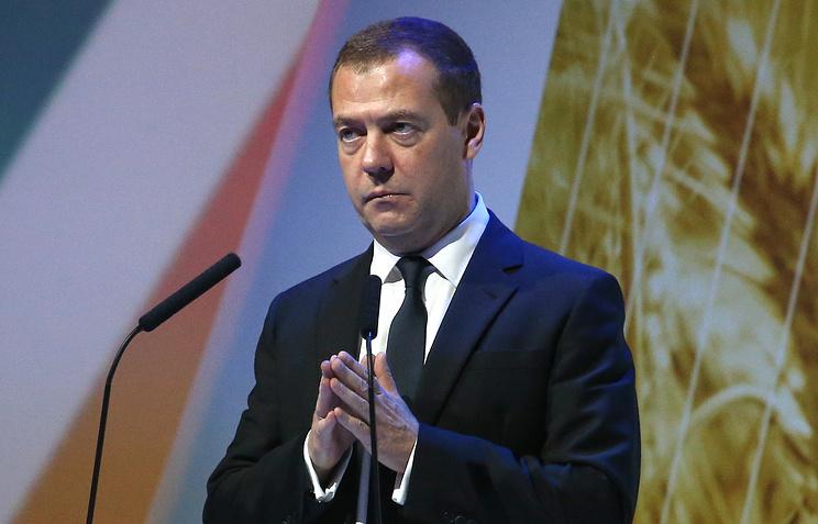 Государство всегда будет поддерживать аграриев, независимо отсанкций— Медведев