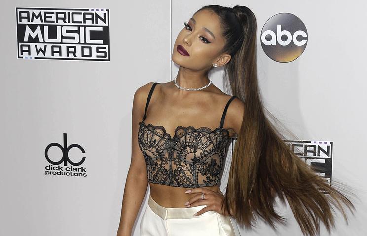 Североамериканская эстрадная певица Ариана Гранде стала «артистом года» поверсии American Music Awards
