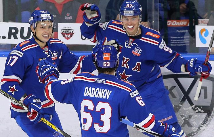 Ввалидольном матче хоккейный СКА выигрывает ЦСКА срезультатом 6:3